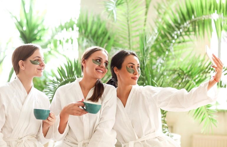 femmes au spa